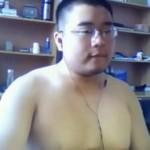 【デブ動画】可愛い顔をしている短髪男子が全裸でオナニー!