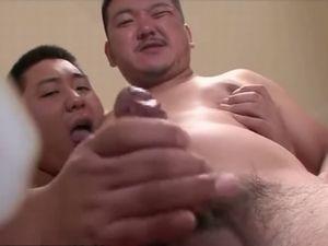 【無修正デブ動画】可愛いデブ男子とガチムチ兄貴の淫乱な関係。丸見え勃起チンポがたまりません!
