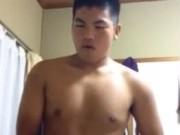 本物ノンケ動画 ムッチリ学生君の全裸オナニーを見る!若いチンポが見えちゃっています!