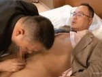 新しい職場には慣れましたか?おじさん好きの若手リーマンと年下好きの熟年リーマン。相性抜群の肉体関係!動画3本を見る!