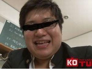 うわっ!こんな可愛いメガネ君のケツはトロットロ!まじめそうな健太郎君はかなりの淫乱だった!