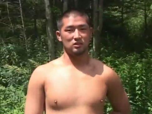 【体育会系ノンケ動画】こんな景色のいいところでエロインタビューをした挙句、全裸にさせてオナニーをさせちゃいました!