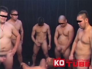 現役ガチデブ体育会系のぶっ掛け祭り!部屋の中は雄汁臭が充満!