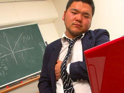 制服姿のデカムチ慎之介君が可愛すぎる!秘密の補習はエロ授業!