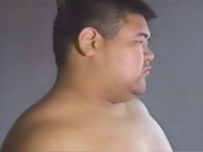 【デブ動画】相撲デブさんの全裸オナニーを見てみる!