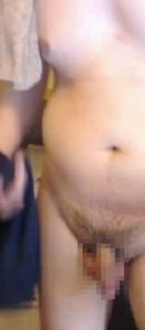 【本物ノンケ動画】勃起チンポを見せてくれたモッコリパンツの兄ちゃん、服を脱いだらぽっちゃりしていました!