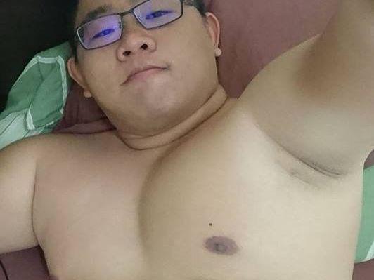 【デブゲイ画像】アジア系のかわいいデブ君の全裸画像をどうぞ!(5枚)