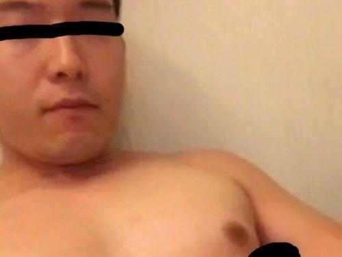 【本物ノンケ動画】イケメンの既婚者リーマンがシコって2度射精!タマタマもアガっております!
