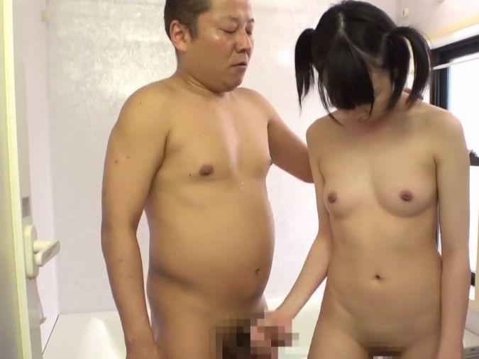 【絶倫エロ親父】ノンケ男優のビンビンになった卑猥な勃起チンポで口内射精!