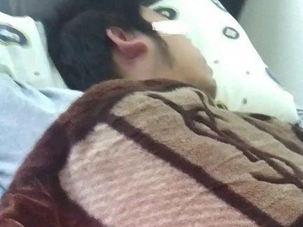 【本物ノンケ動画】元野球部!ガチムチノンケくんの寝込みを悪戯してチンポを弄っちゃいました!