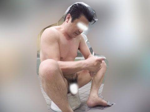 【本物ノンケ動画】がっちり親父が銭湯で体を洗っているシーンを見てみる!