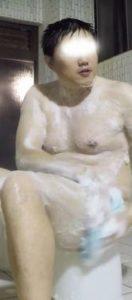 【本物ノンケ動画】過去にスポーツをやっていたようなガチポ君が銭湯で体を洗っているところを見てみる!
