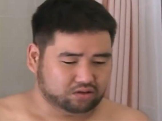 【デブ動画】デブ熊兄ちゃんのエロい全裸オナニーを見てみる!