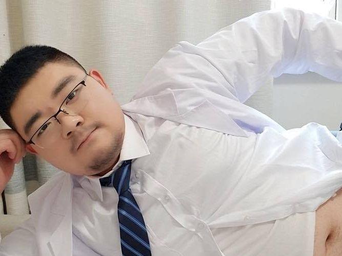 【デブ画像】こんなデブ熊のお医者さんに検診してもらいたい!