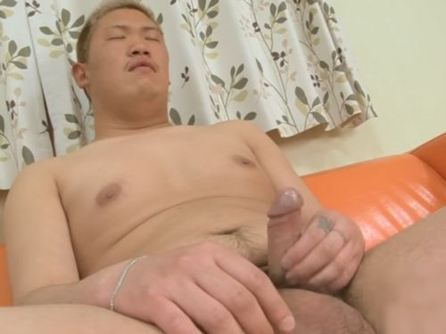 【無修正ノンケ動画】20歳のガテン系の土井孝一君が全裸でチンポをシゴく!