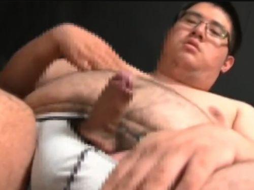 【デブ動画】エロい巨漢の日本男児が激しいオナニー!顔もガタイも上級です!