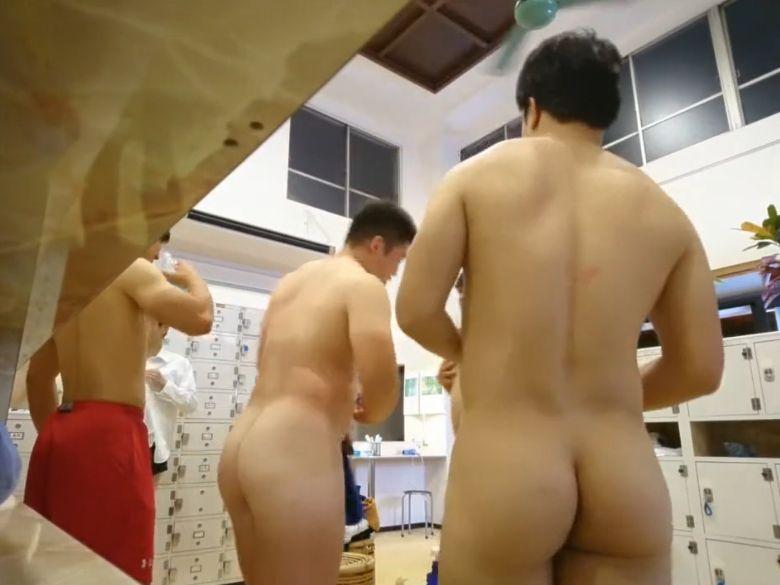 【本物ノンケ動画】大人気!ラグビー部員が風呂場で着替えるシーン!まる見えです!(情報追加)