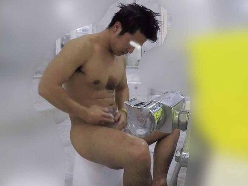 【本物ノンケ動画】デカいケツが素晴らしい!体育会系男子の銭湯での全裸姿!