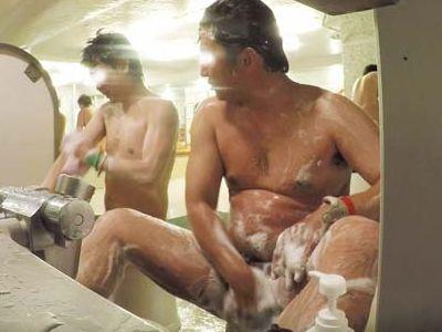 【本物ノンケ動画】健康的なガチポ親父が身体を洗っている姿!