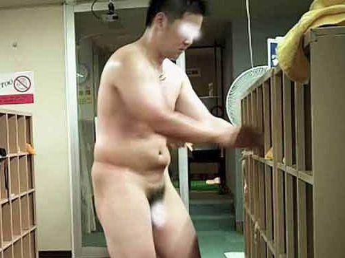 【本物ノンケ動画】中年親父たちの銭湯での全裸姿を見てみる!