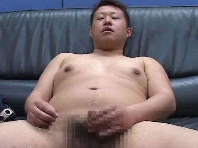 【期間限定デブ動画】まじめ系若デブリーマン男子のオナニーとアナルセックス!