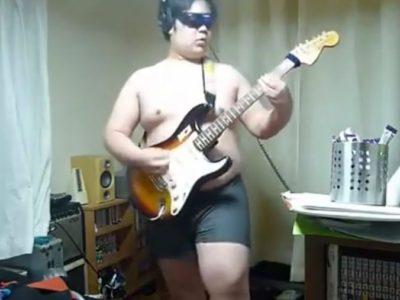 裸のノンケ若デブギター男子!