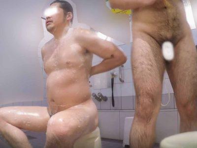 【本物ノンケ動画】ガチムチ兄ちゃんのふてぶてしいチンポを観察!