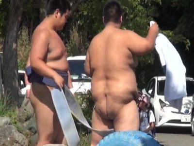 【本物ノンケ動画】学生相撲部のあかんシーン⑤締め込み途中の股間撮影