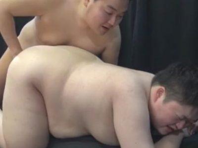 【デブ動画】かわいい系の巨漢男子のプルプルアナルセックス!