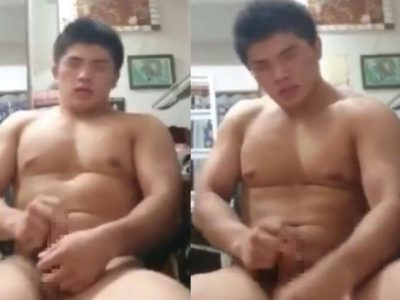 【本物ノンケ動画】新作!タイプの柔道男子がついに全裸でチンポをシゴく!