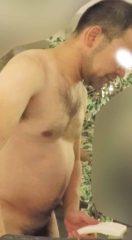 【本物ノンケ動画】銭湯で毛深い親父さんの太めチンポを追ってみた!