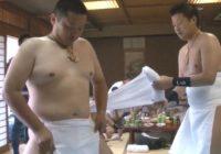 【ノンケ動画】裸祭りの準備中、ふんどしを締める姿を撮影!